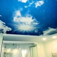 натяжные потолки в ванной фото 12