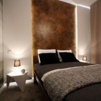 дизайн спальни с обоями двух цветов фото 16