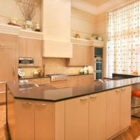 кухня в бежево коричневых тонах фото 19