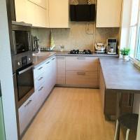 кухня в бежево коричневых тонах фото 21