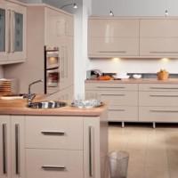 кухня в бежево коричневых тонах фото 28
