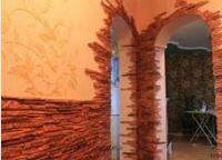 отделка стен искусственным камнем в прихожей фото