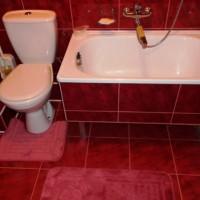 бордовая ванная фото 13