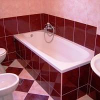 бордовая ванная фото 17