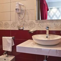 бордовая ванная фото 41