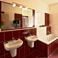 бордовая ванная фото 42