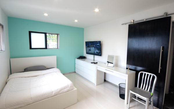 Интерьер маленькой спальни фото в современном стиле