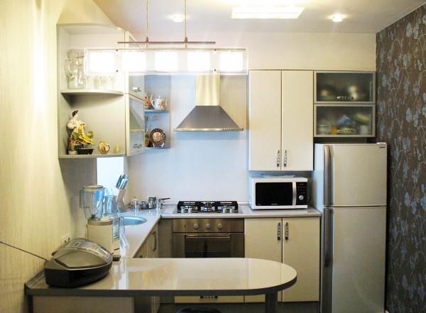 угловая кухня с барной стойкой фото 9