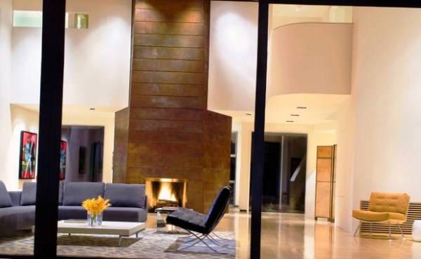 дизайн гостиной с камином в частном доме фото
