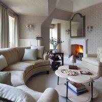 диван в интерьере гостиной фото 46