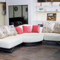 диван в интерьере гостиной фото 54