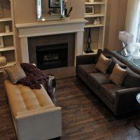 диван в интерьере гостиной фото 56