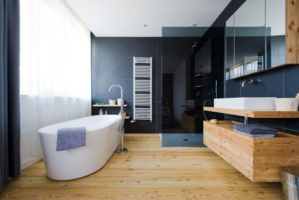 Деревянные полки в ванную комнату фото
