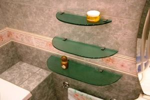полки для ванной комнаты