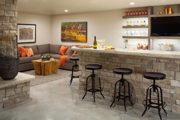 зонирование кухни и гостиной барной стойкой фото