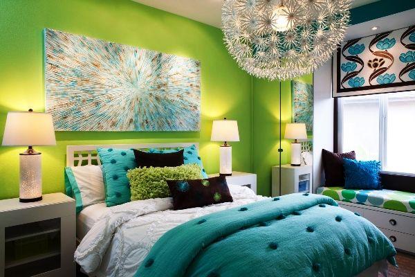 зеленые обои в интерьере спальни фото