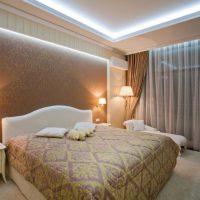 натяжные потолки в спальне фото 22