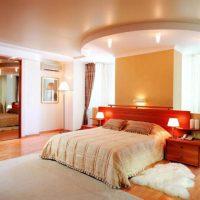 натяжные потолки в спальне фото 23