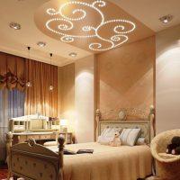 натяжные потолки в спальне фото 72