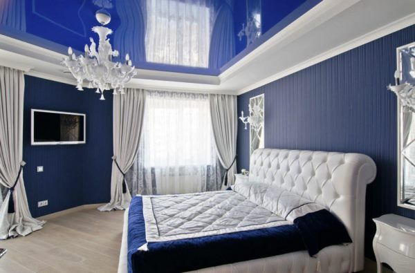 натяжные потолки фото для спальни в квартире