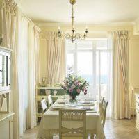 интерьер кухни с балконом фото 40