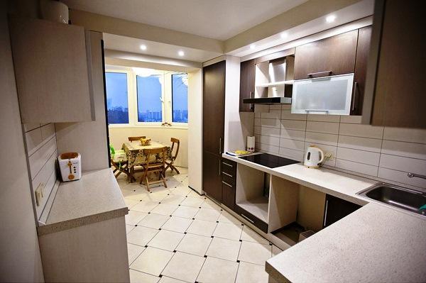 совмещение балкона с кухней фото