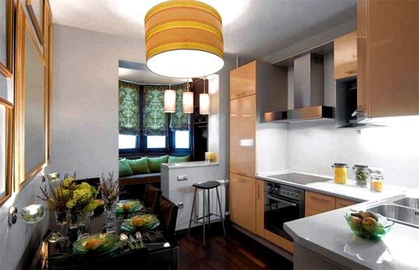 кухня с выходом на балкон дизайн фото