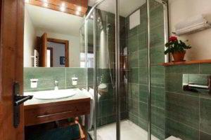 душевая кабина в ванной фото 33