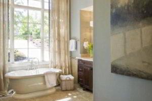 люстра в ванной фото 22