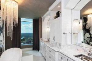 люстра в ванной фото 37