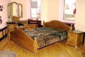 спальня из дерева фото 55