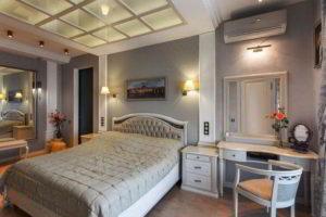 серая спальня фото 24