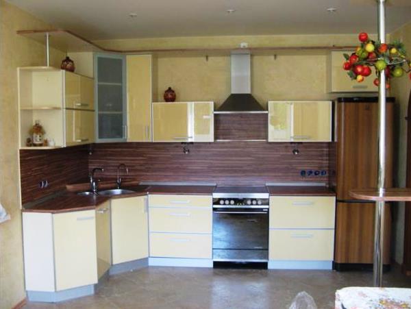 кухни фото угловые маленькие с холодильником