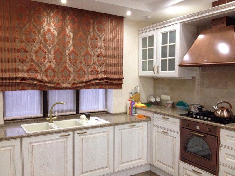 римские шторы на окно на кухню