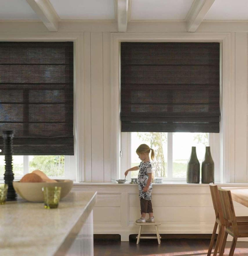 римские шторы в кухню черные