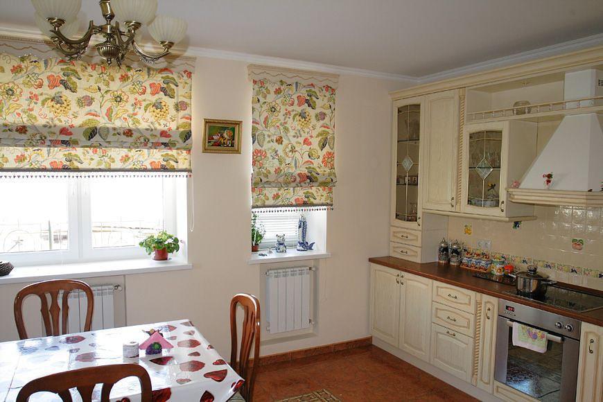 фото красивых цветочных штор на кухню