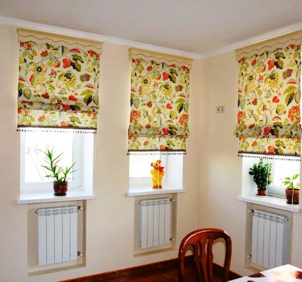 римские шторы на пластиковые окна фото кухня