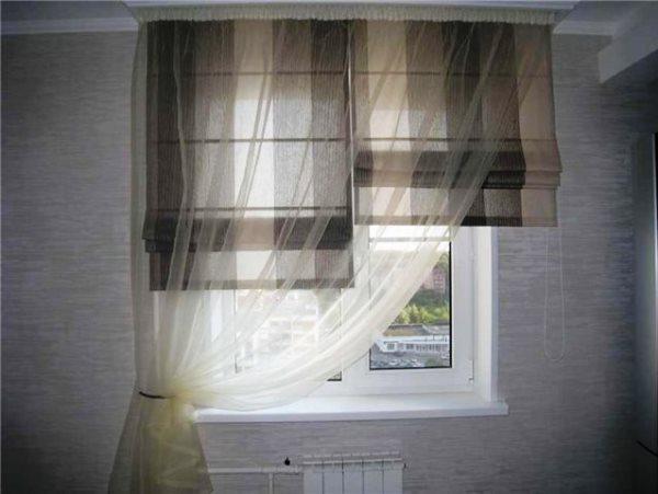 римские шторы с тюлью фото на кухню