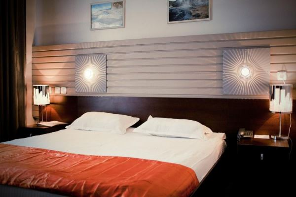 бра настенные светильники фото в спальне