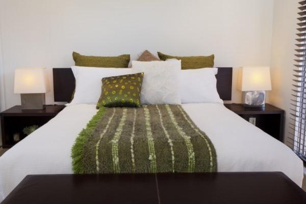 как поставить кровать по фен шуй фото 4
