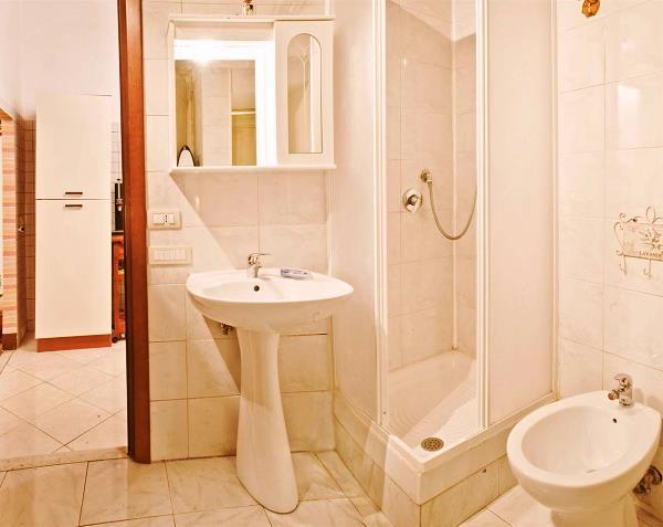 маленькие ванные комнаты с душевой кабиной фото 3