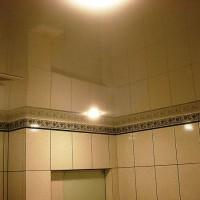 натяжные потолки в ванной фото 18