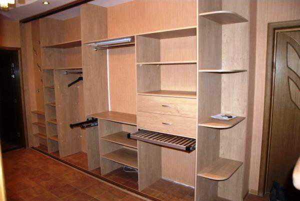 шкафы купе в коридор фото внутри