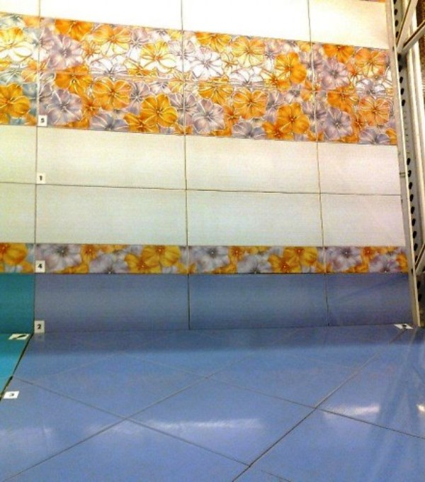 керамическая плитка для маленькой ванной комнаты фото