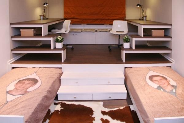 кровать под подиумом фото