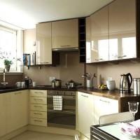 кухня в бежево коричневых тонах фото 13