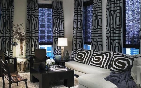 шторы в черно белом интерьере фото