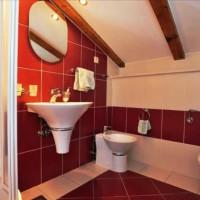 бордовая ванная фото 27