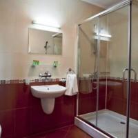 бордовая ванная фото 30