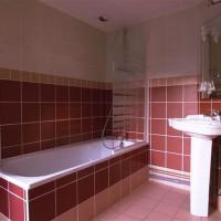 бордовая ванная фото 38